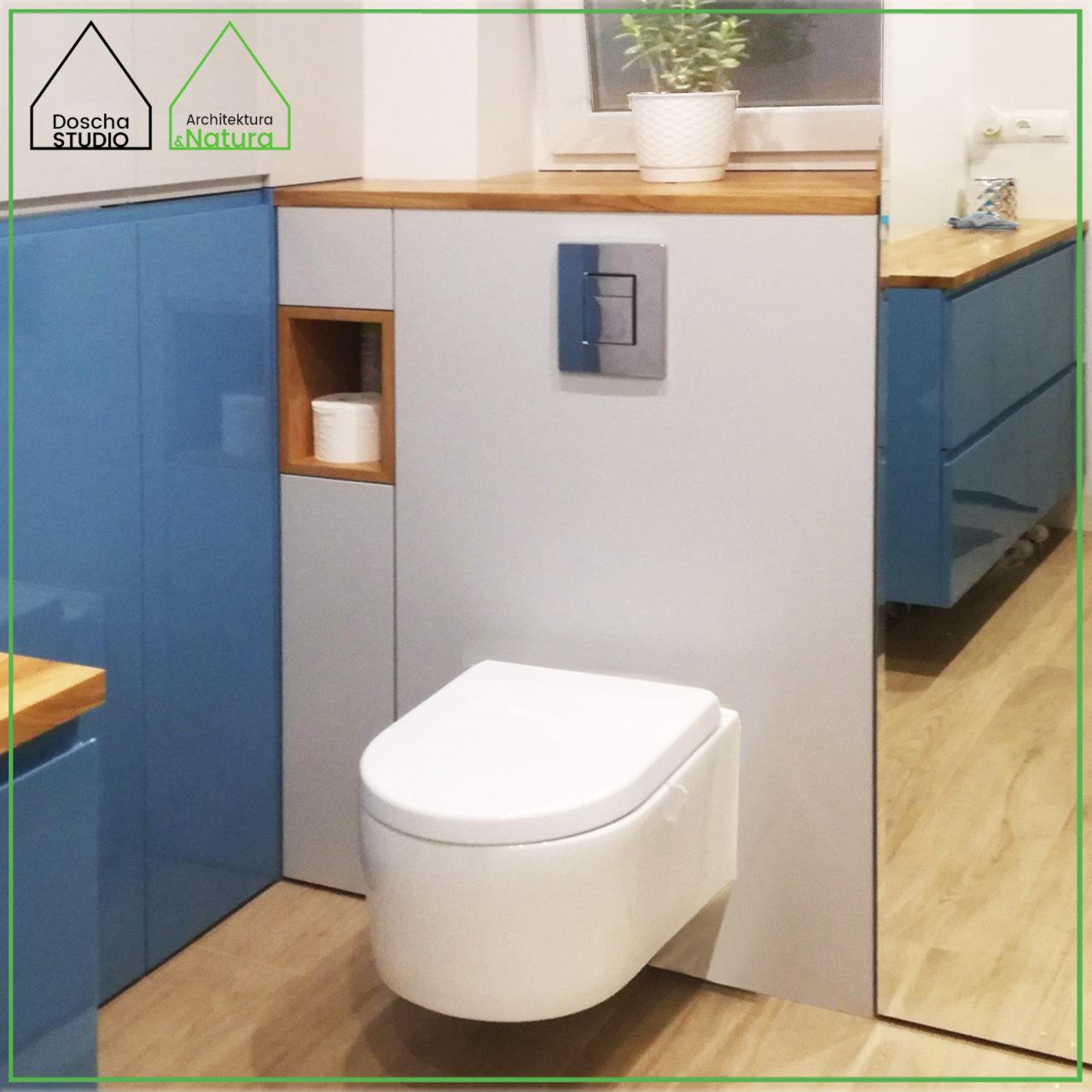 Projekt niebiesko-szarej łazienki w Gdyni Projektowanie wnętrz: Doscha STUDIO